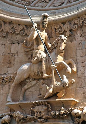 Escultura de sant Jordi a l'església de Sant Francesc de Palma